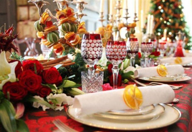 A Christmas table decked using Italian decorations
