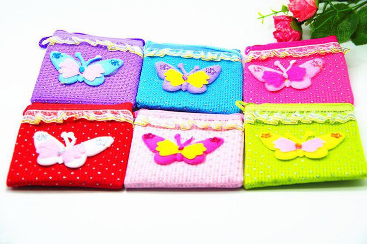 Adorable butterfly themed wallets as baby shower favors