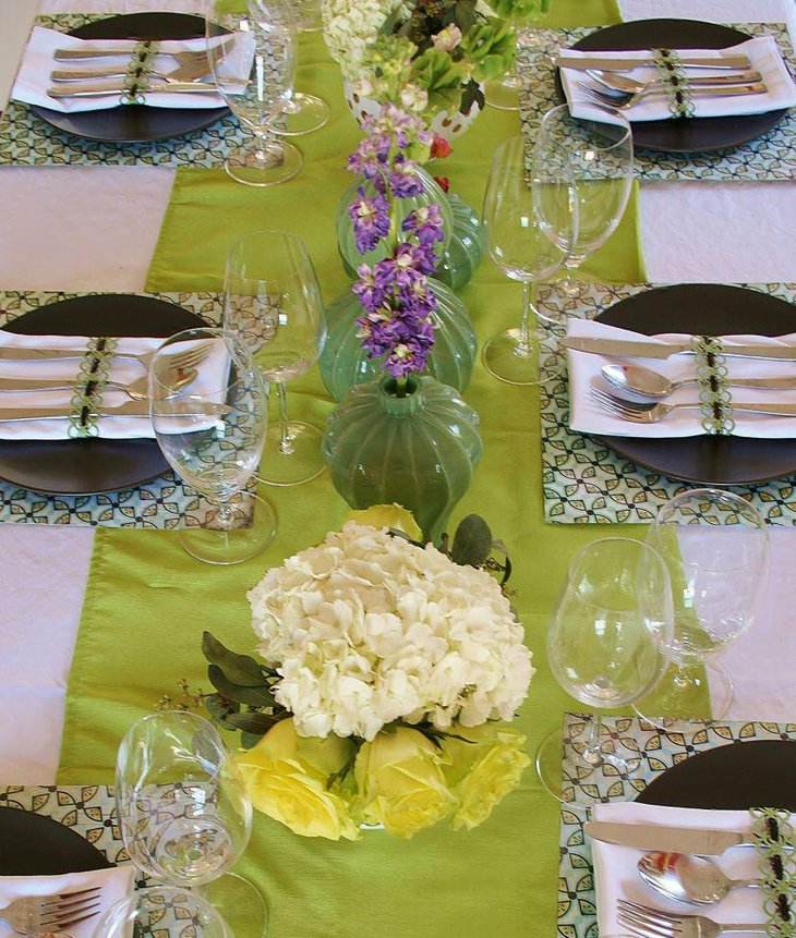 Alluring green vase spring table centerpieces