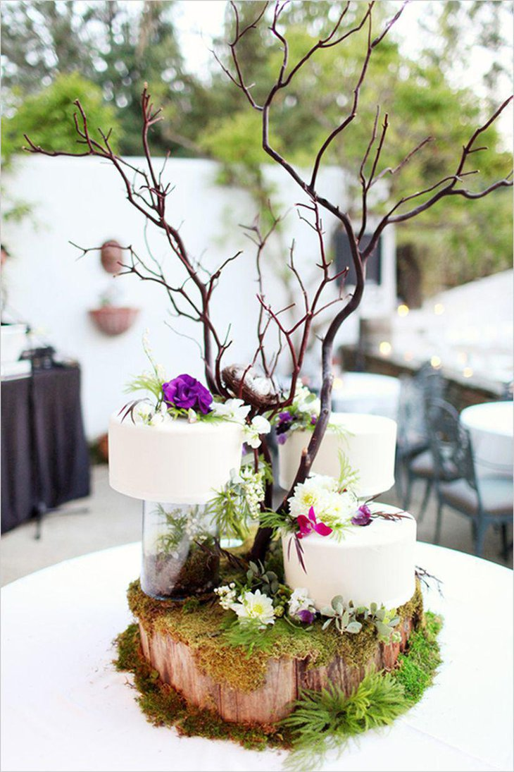 Amazing winter table decor with wooden piece and branches