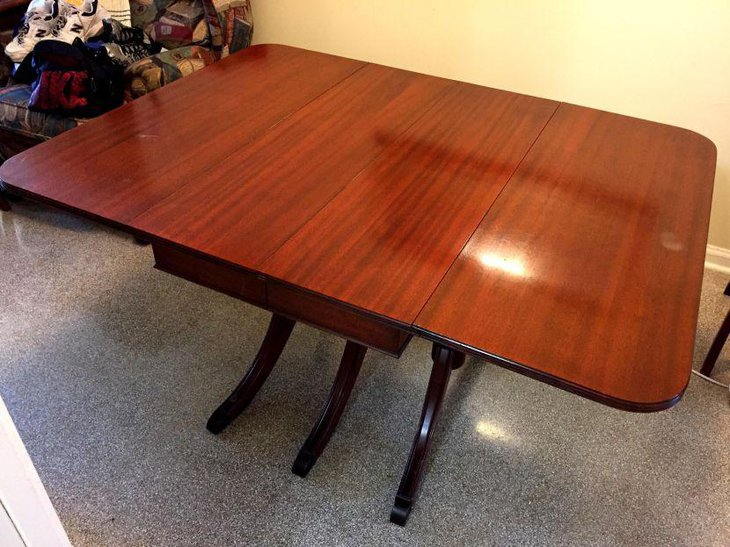 Antique 1940s Duncan Phyfe drop leaf dining table