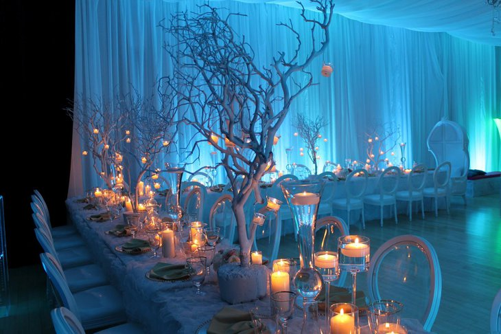 Astonishing willow branch centerpiece on wedding table