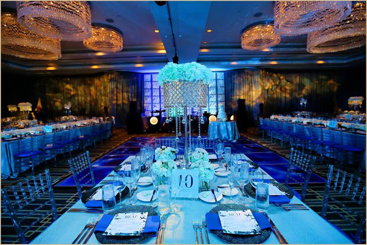 Attractive Blue Colored Themed Table Linen for Weddings