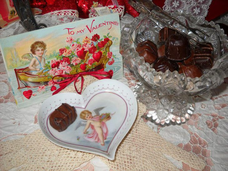 Awesome Valentines chocolate and card vignette centerpiece