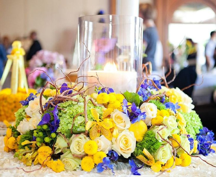 Table decoration ideas in green and yellow color