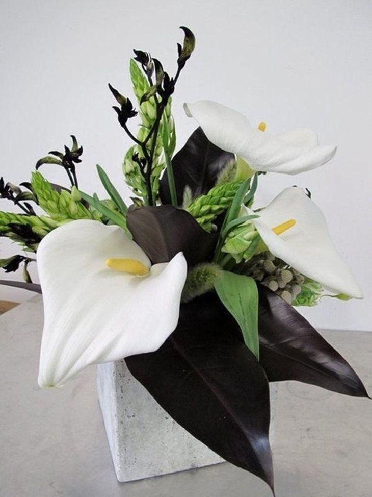 Black and white wedding table settings