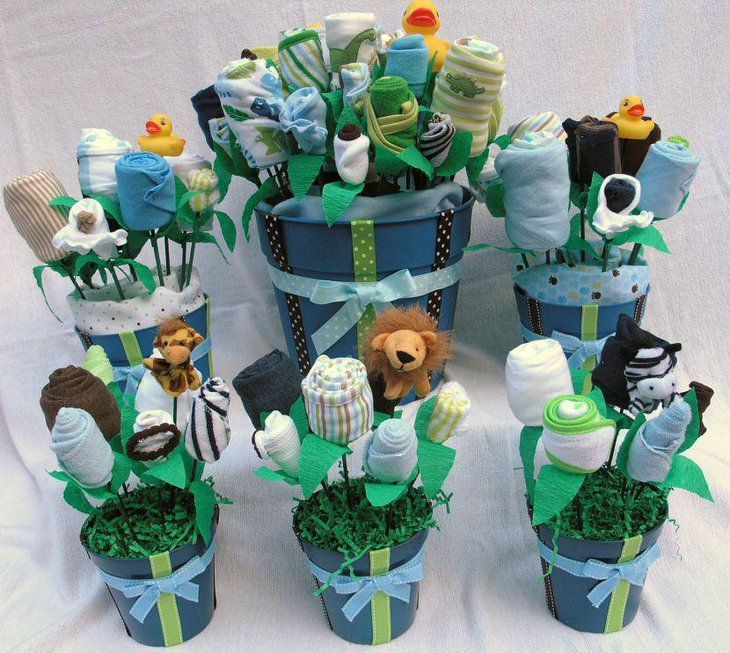 Beautiful Jungle Theme Baby Shower Decorations With Cloth And Stuffed  Animal Toys