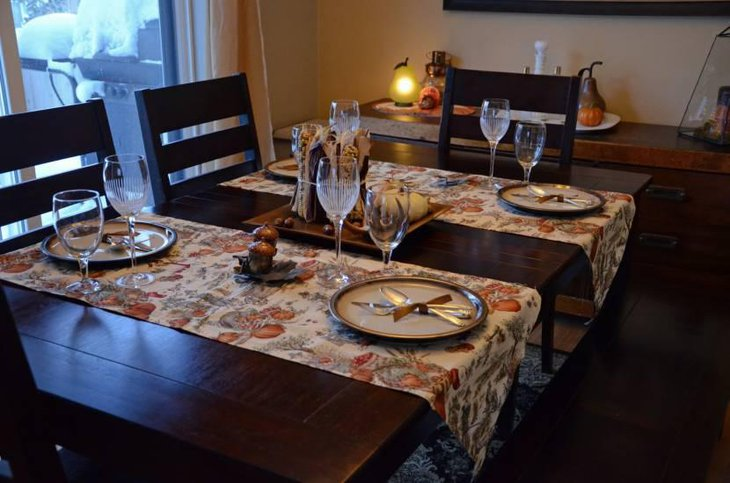 Beautiful Patterned Thanksgiving Table Runner