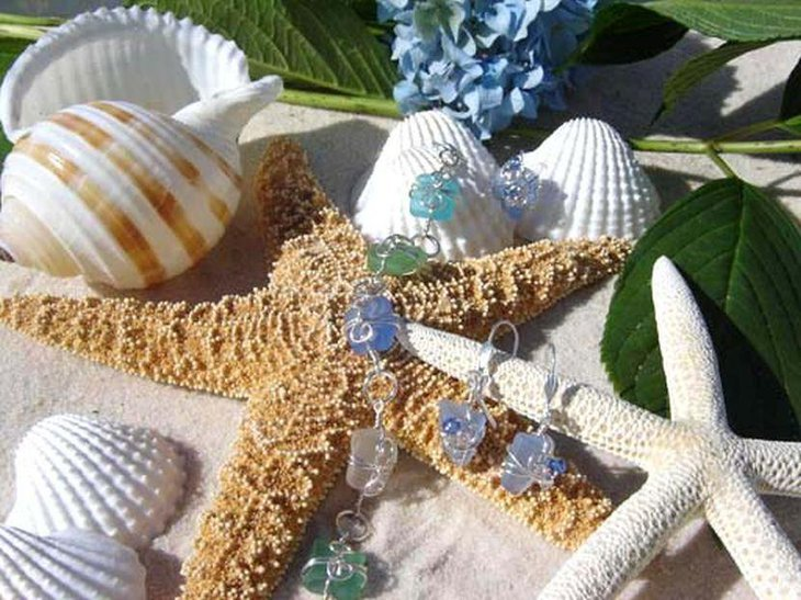 Beautiful starfish and conch wedding table centerpiece