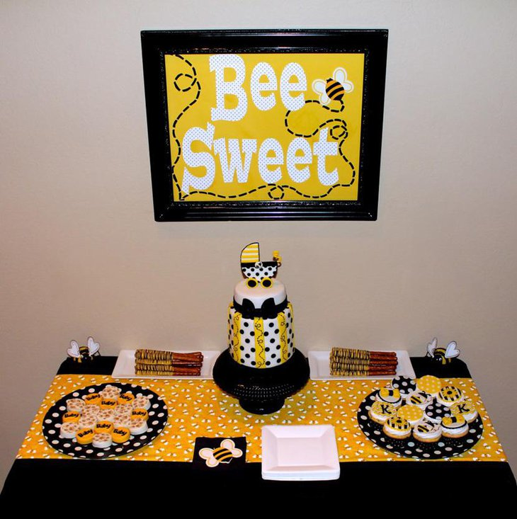Bee Print Themed Table Runner in Dazzling Yellow Color