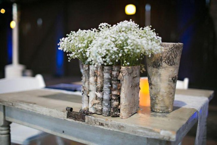 Birch bark wooden vase centerpiece idea looks chic