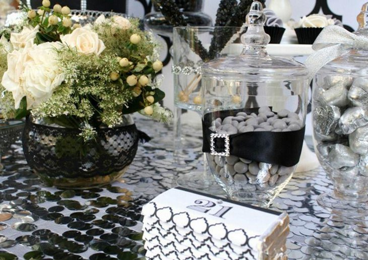 Black And White Bling Birthday Table Decor