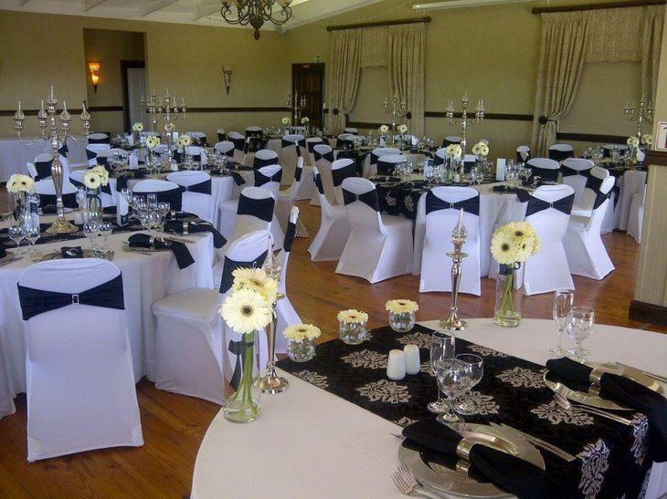 35 black and white wedding table settings table decorating ideas. Black Bedroom Furniture Sets. Home Design Ideas