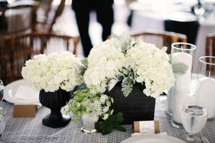 Black And White Wedding Theme Table Decorations With Hydrangea Vase