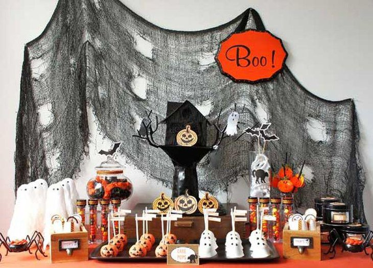 Black tree house centerpiece for kids Halloween table