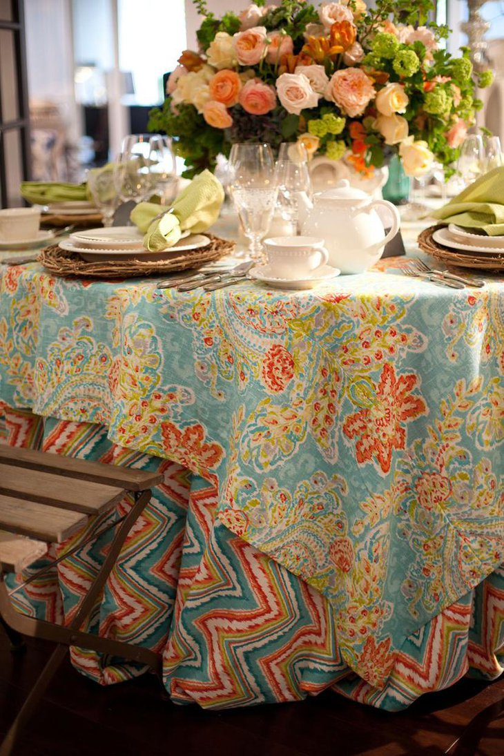 Chic Printed Table Linen for Weddings