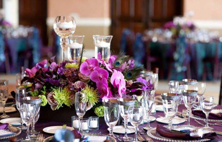 Chic spring purple wedding table decor