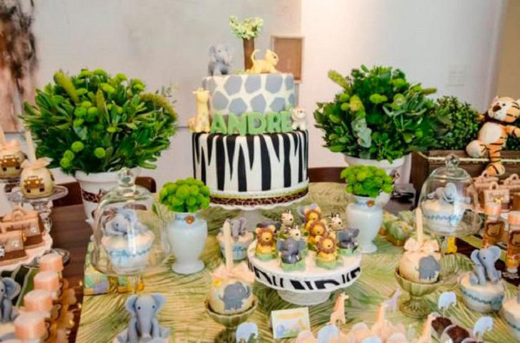 37 creative spring baby shower ideas for boys table for Animal party decoration ideas