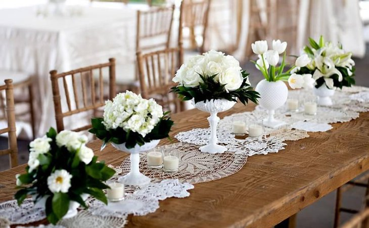 Creative Lace And Burlap Table Runners