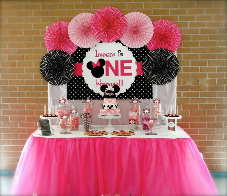 Amazing 35 Cute 1St Birthday Party Ideas For Girls Table Download Free Architecture Designs Scobabritishbridgeorg