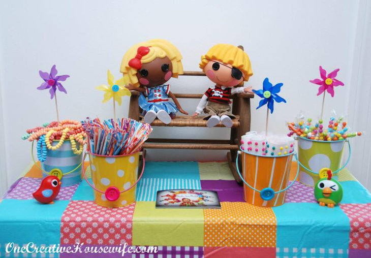 35 ultimate diy table ideas for a birthday party table for How to decorate a bucket