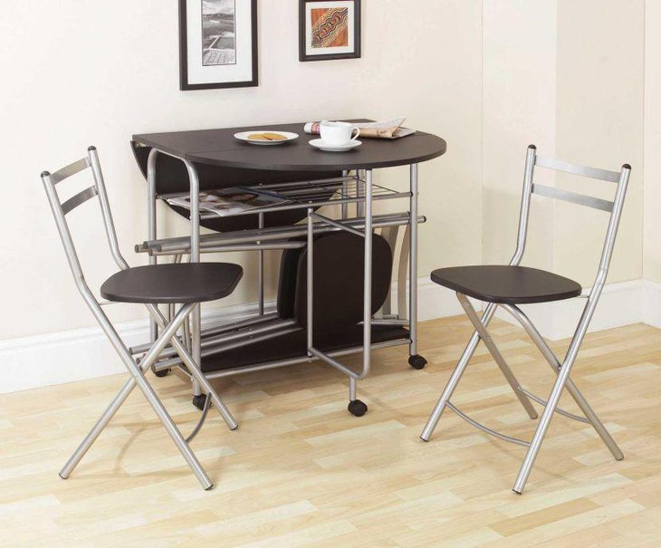 Cute Expandable Dining Table With Metal Base and Glossy Top