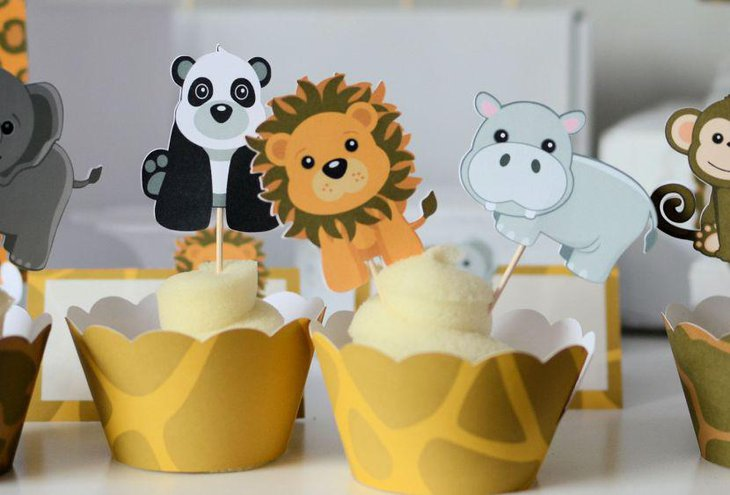 Cute paper cups with animal stands for jungle theme baby shower decorations