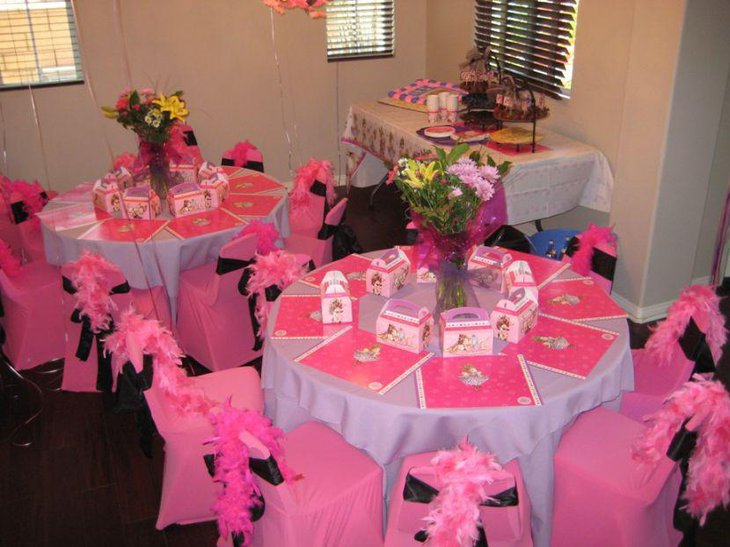 Cute pink birthday party tablescape