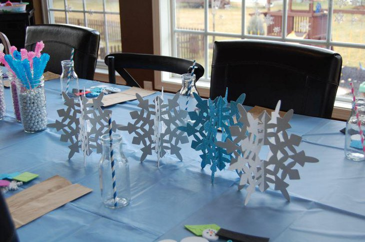 Cute snowflake decorations in paper