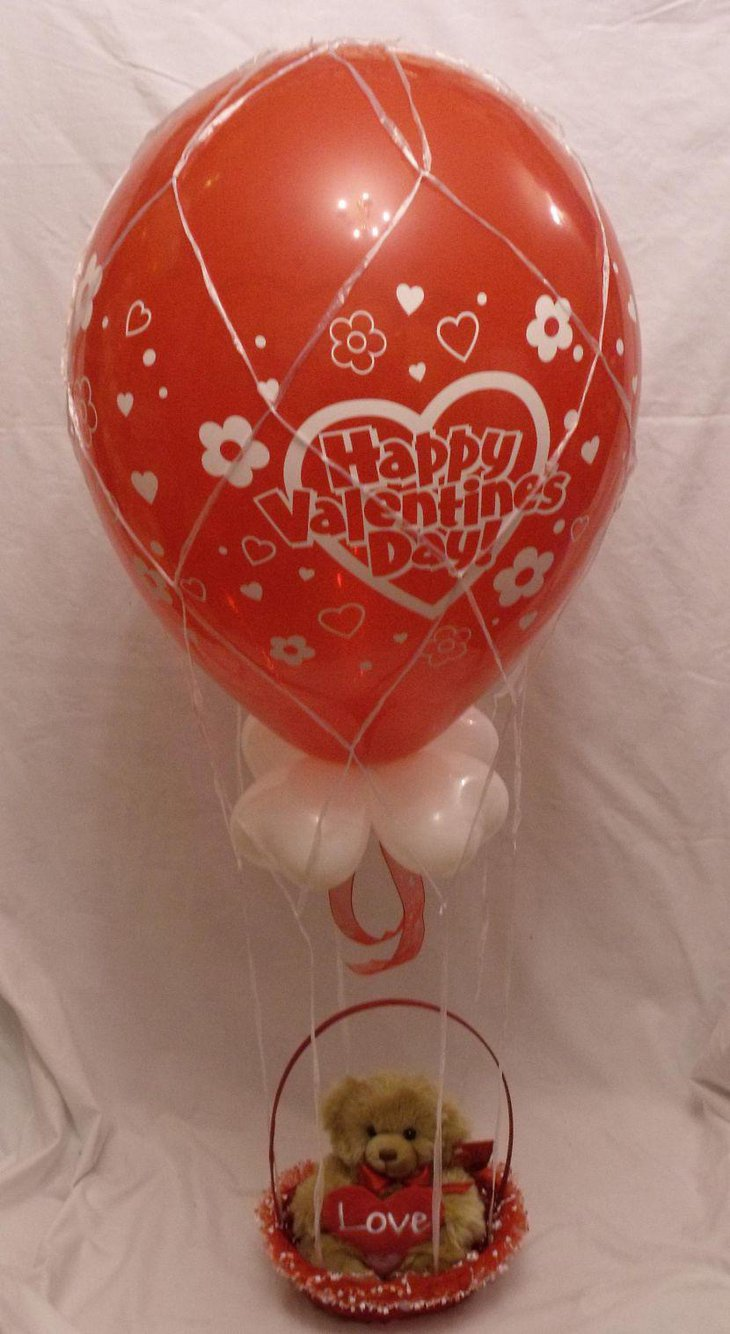 Cute teddy and balloon Valentines centerpiece
