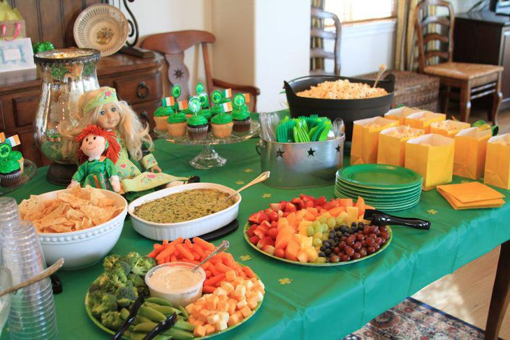Delicious buffet table for St Patricks Day