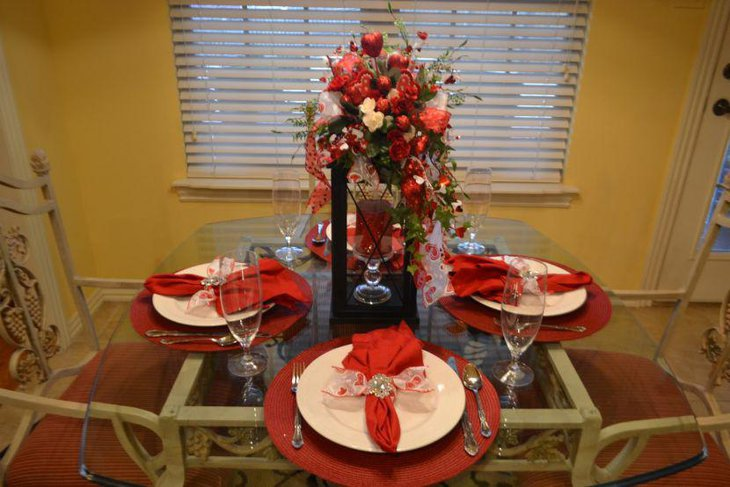 36 dining table centerpiece ideas table decorating ideas for Beautiful dining table centerpieces