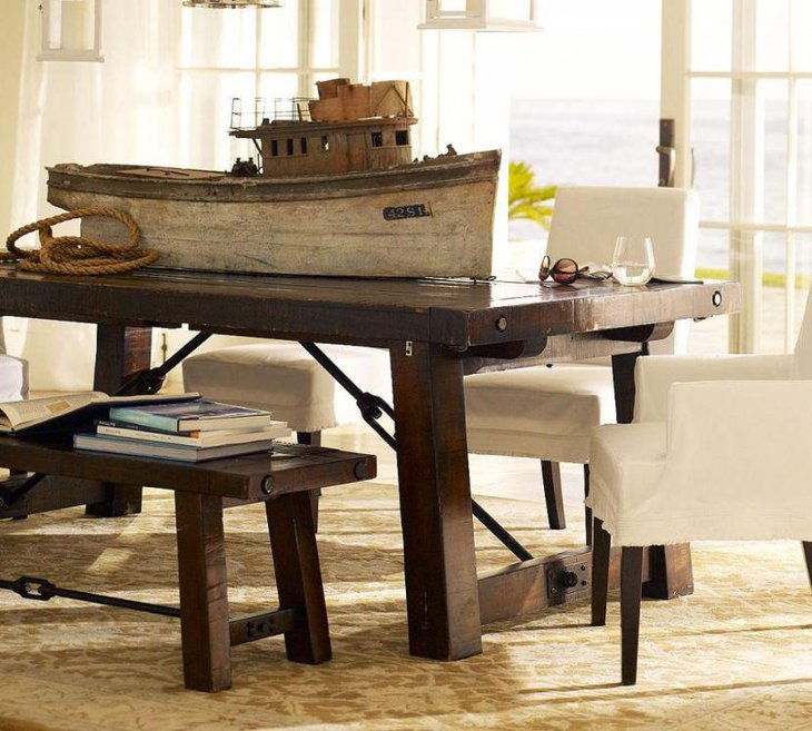 35 inspiring dining room decorating ideas table for Wood dining table centerpiece