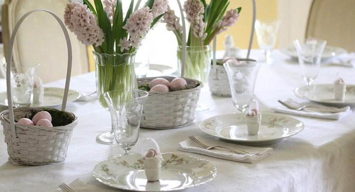 DIY New Year Table Decoration with White Flowers with White Setting