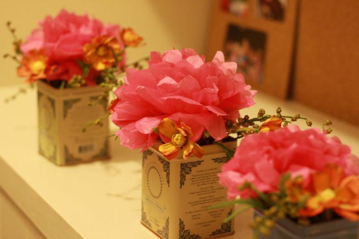 DIY Tea Tins Wedding Table Centerpieces Filled With Paper Flowers