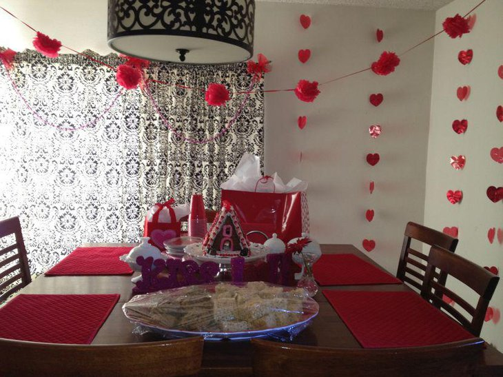 DIY Valentines table with house