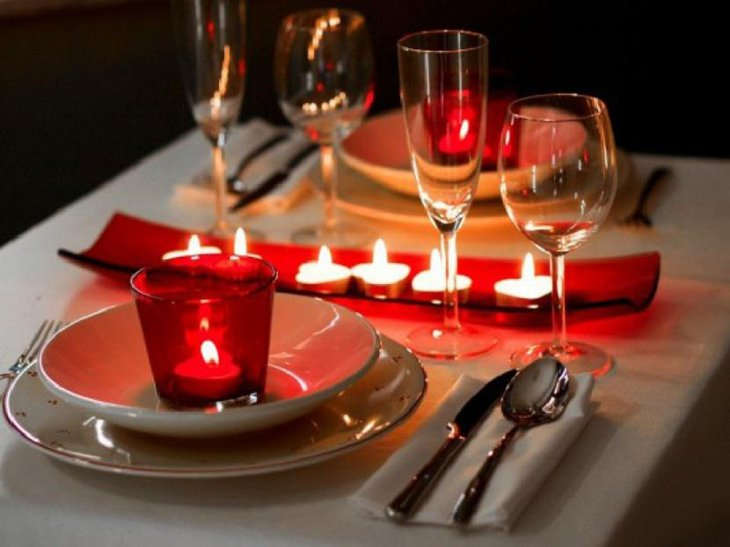 Easy To Do Valentine Table Decoration