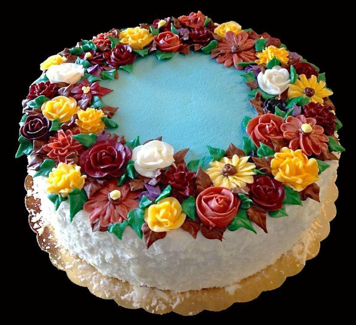 Enchanting flower cake for birthday