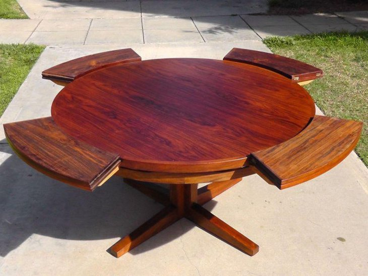 Expandable Round Patio Dining Table With Wooden Legs