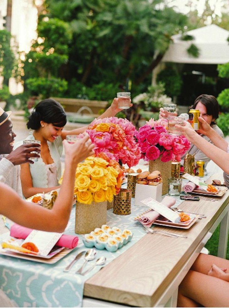 Gorgeous floral centerpieces for garden party table decor