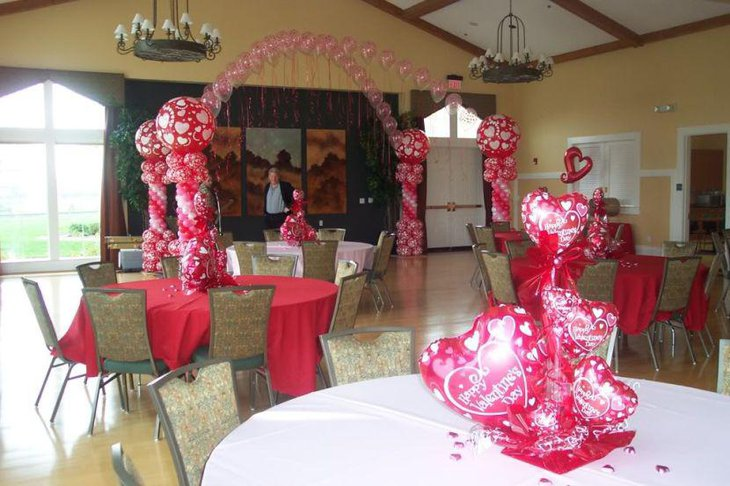 Gorgeous pink balloon Valentine centerpiece