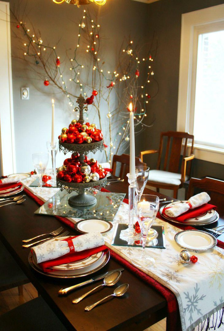 Gorgeous red and white themed holiday table