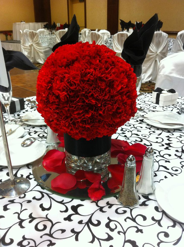 Gorgeous Red Floral Wedding Centerpiece
