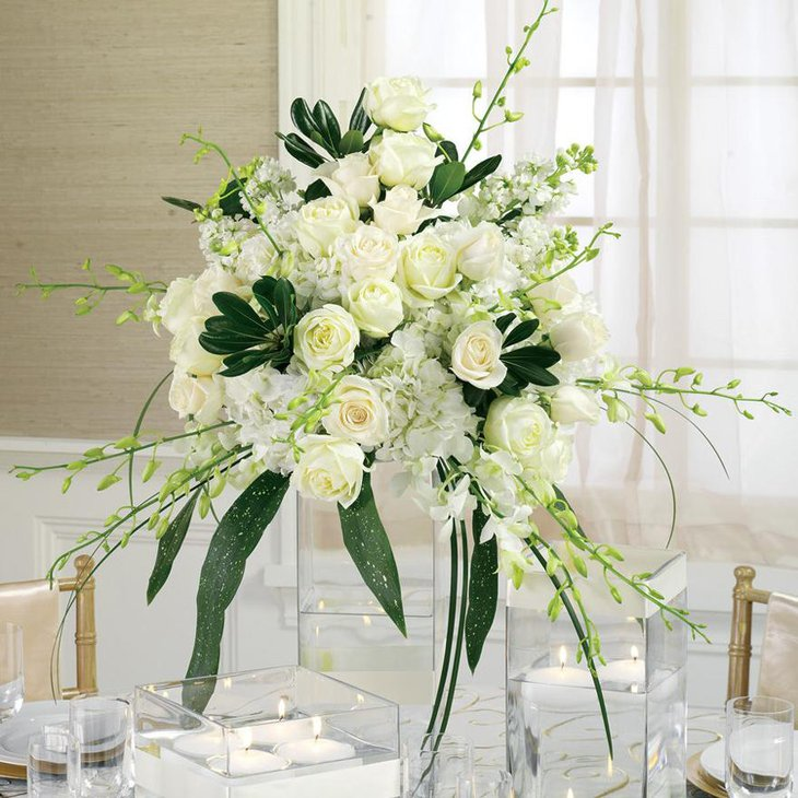 Gorgeous White Flower Arrangements for Wedding