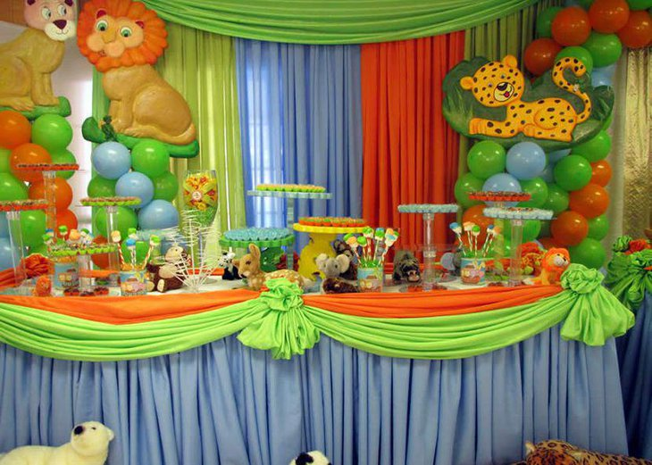 Jungle birthday table settings for boys birthday party
