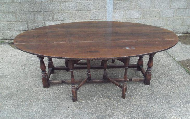 Large 17th Century oak drop leaf dining table