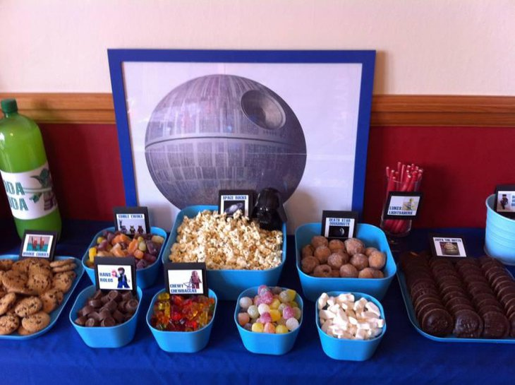 Lego Star wars Party table