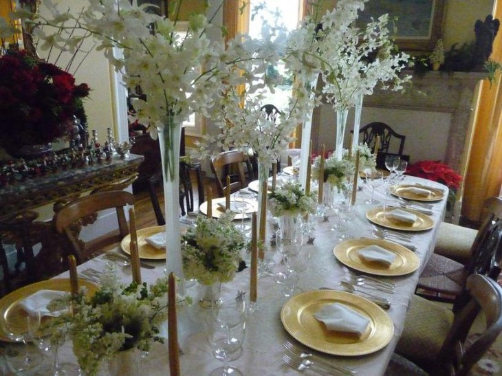 Luxurios White Christmas Floral Centerpieces