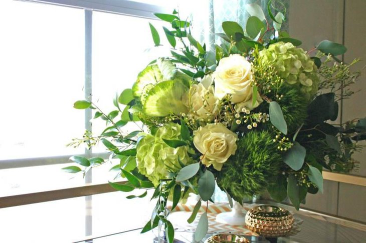 Magnificent Green Theme St Patricks Day Flower Decor