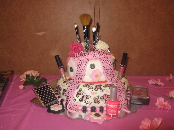 Makeup Themed Teenage Girl Birthday Cake Ideas